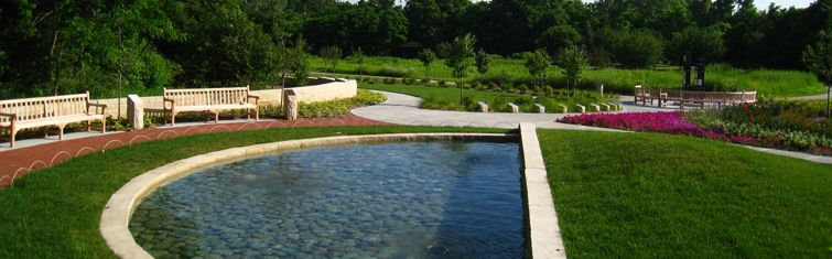 Omaha Wedding Photographers   Shelley + Tony   Omaha ...  Lauritzen Gardens Wedding